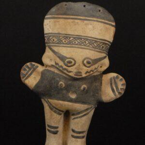 白地黒彩土製女性人形