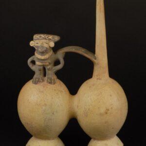 白地黒彩男性飾付双胴壺
