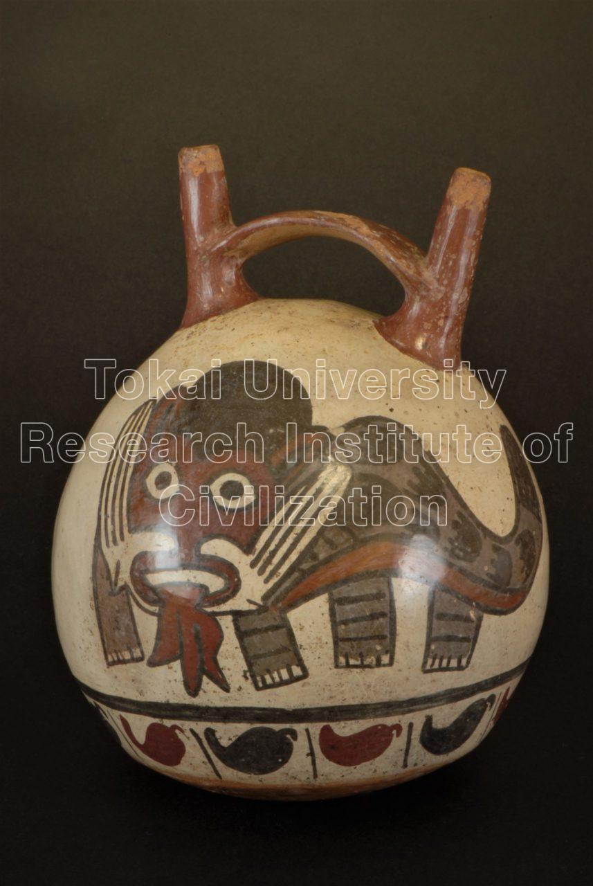猫科動物化した農耕神と作物彩画橋型把手付双注口壺