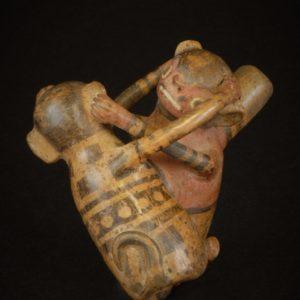 二匹の猿象形小壺