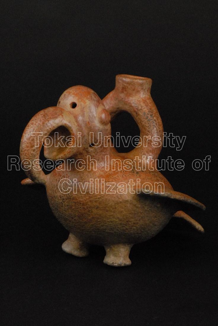 コンゴウインコ象形鐙型鳴笛壺