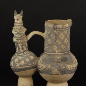 白地黒彩人物像飾付双胴鳴笛壺