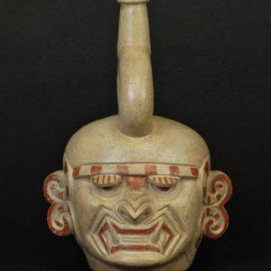 猫科動物神頭部象形鐙型壺